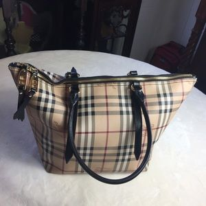 Authentic Burberry Salisbury  Check Leather Bag.